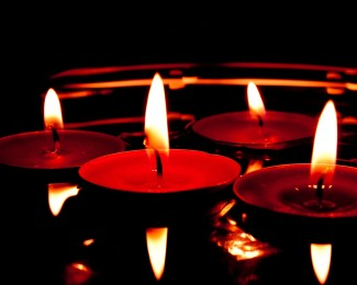 candles-627139_1920